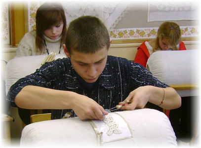 "Pervii mygchina_Первый мужчина на конкурсе ""Серебряная коклюшка"""