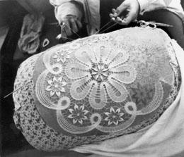 Плетение кукарского кружева
