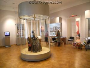 Музей кружева зал 1_museum lase hall1 europe01