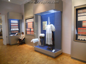 Музей кружева Зал №2_museum lase hall2 suit1