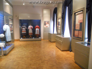 Музей кружева Зал №2_museum lase hall2 suit2