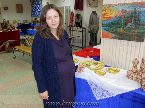 elena_ygolok_На выставке с своей работой