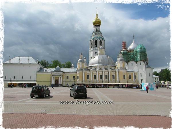 Кремлёвская площадь Вологды